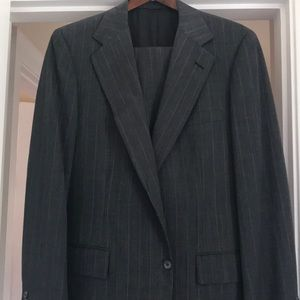 Tom James Executive Collection Men's Suit